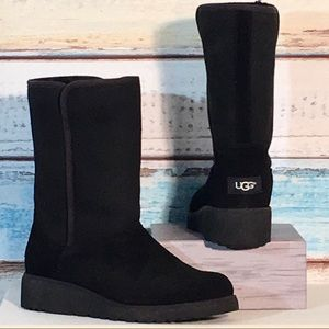 UGG AMIE SUEDE BOOTS